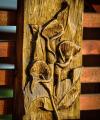 drevorezba-vyrezavani-deskovyobraz-kytice-rezbar-02