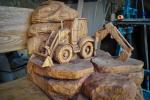 drevorezba-vyrezavani-rezani-carving-wood-drevo-lavice-lavicka-bagr-rdekzdrazil-04